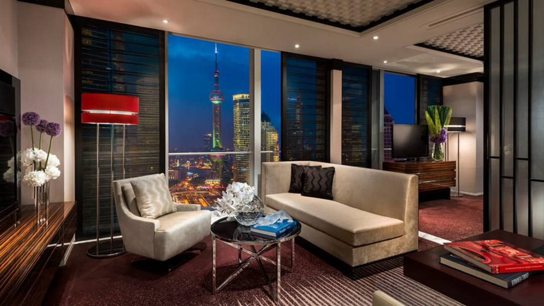 Four Seasons Hotel Shanghai at Pudong-Pearl View Junior Suite.jpg