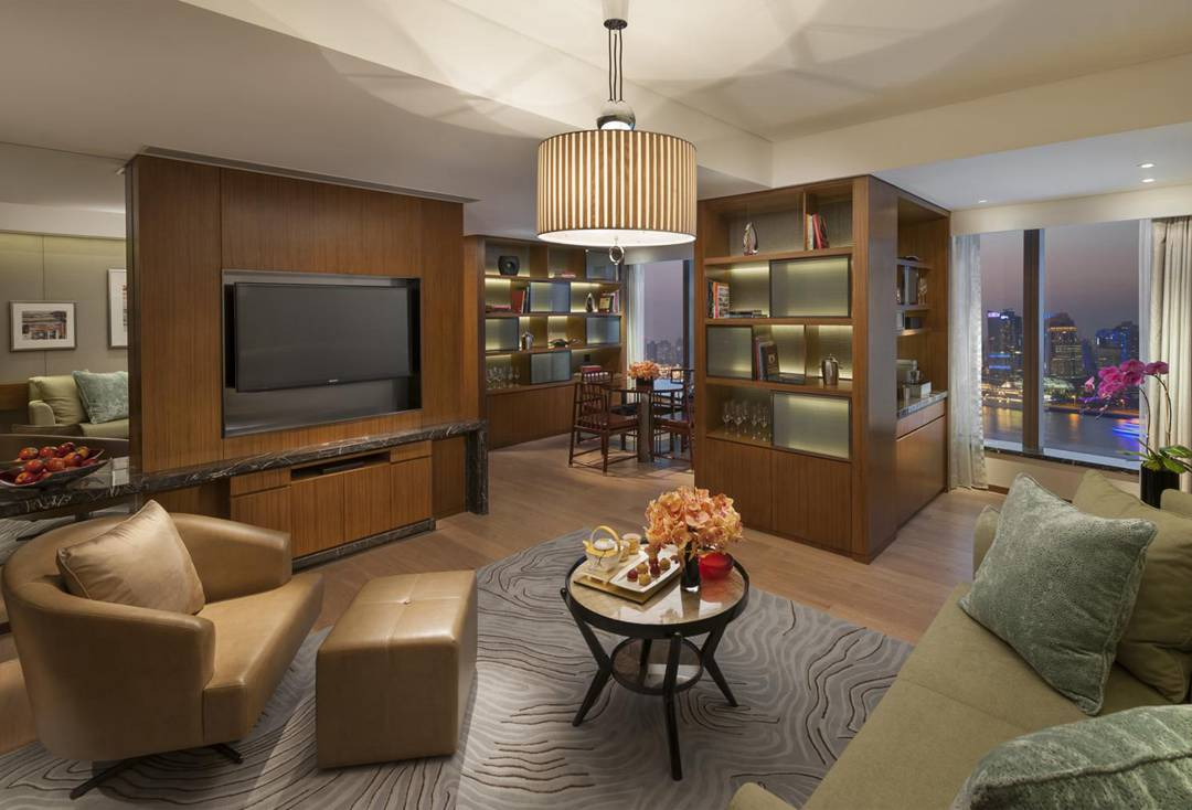 Mandarin Oriental Pudong Shanghai-Harbour City Suite-living room.jpg